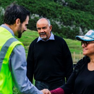Government Ministers Impressed by East Cape Mānuka Plantation